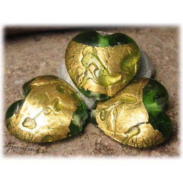 Hjärta grönt med guldfoil ca 25x25 mm