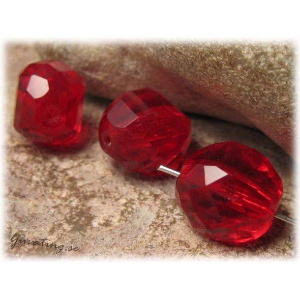Röd facetterad stair ca 14x14x11 mm