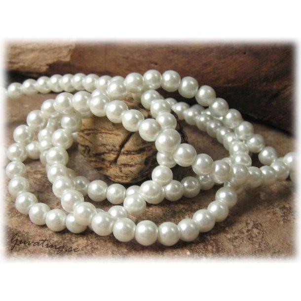 Pärlor i glas rund vit 1 hel sträng ca 6 mm