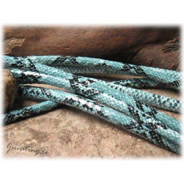 Ljusblå orm läderimitation med söm tjocklek ca 5mm