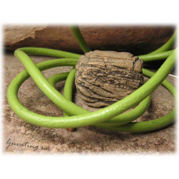 Limegrönt runt läderband tjocklek ca 4,5 mm