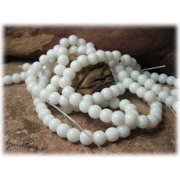 Pärlor i glas vita 30-pack ca 6 mm