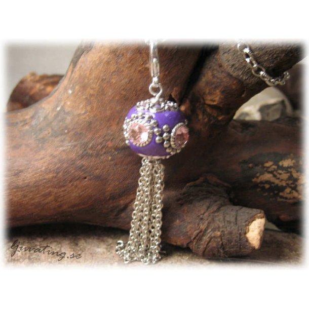 Hänge stor lila pärla med tassel o klolås 80 mm