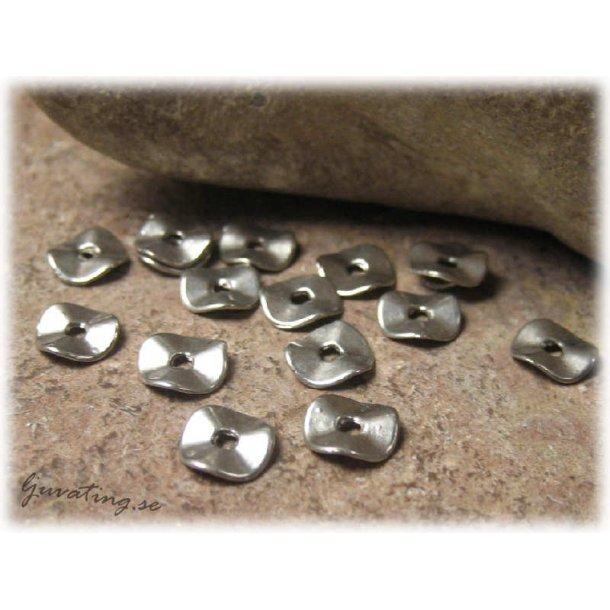 Platt rund vågig metallpärla 20-pack 7 mm diameter