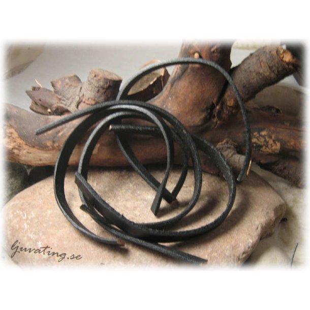 Platt läder svart 5 bitar längd 25 cm mått 10x2,5