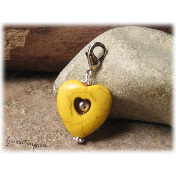 Berlock/hänge hjärta gul howlite med klolås