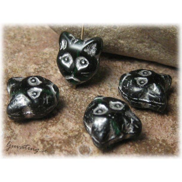 Kattansikte mörkgrön med silverdekor ca 12x12 mm